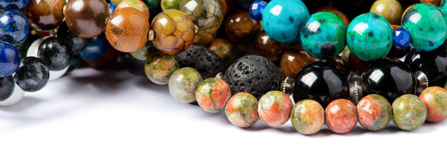 bijou en pierres naturelles